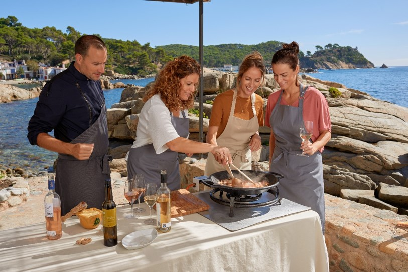 Enjoy-a-wonderful-Costa-Brava-landscape-with- showcooking (1)